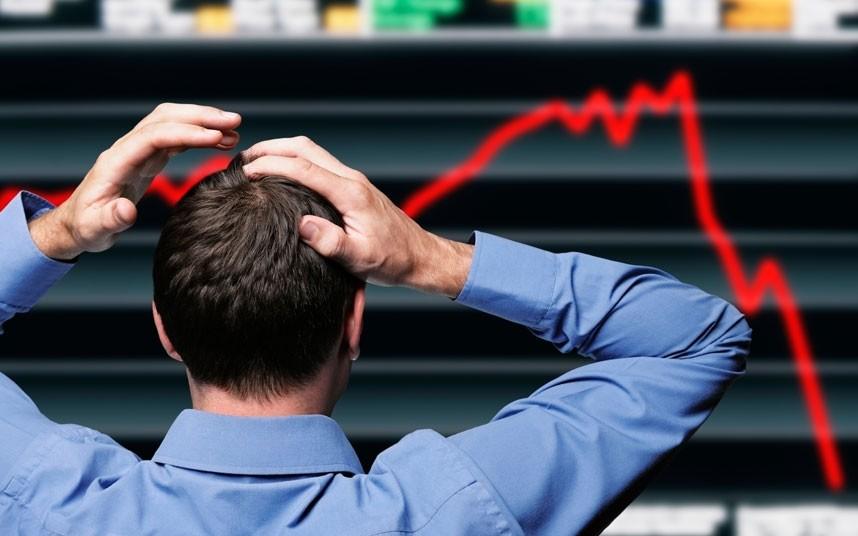 Market Update : Sensex falls 300 pts, Nifty slips below 10,400